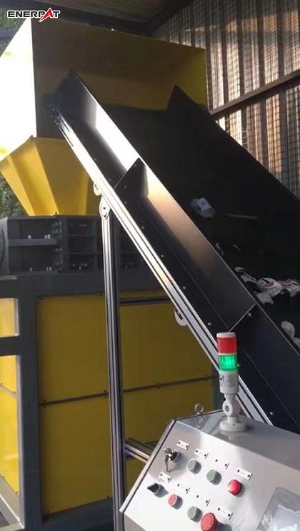 苏州罗技电子垃圾破碎机现场图1