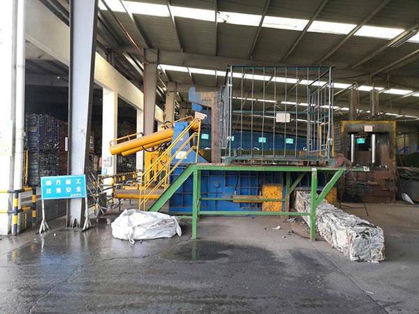 威立雅全自动废钢打包机定制案例