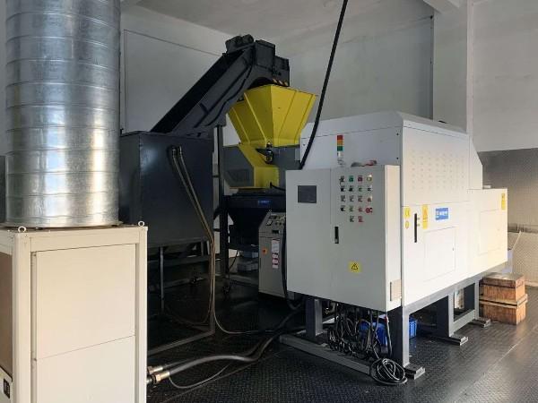 惠州某金属制品厂定制金属屑压饼机案例