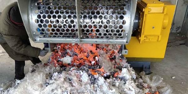 薄膜撕碎机怎么进料?薄膜撕碎机进料正确操作方法介绍
