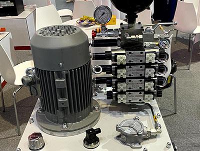 金属屑液压系统